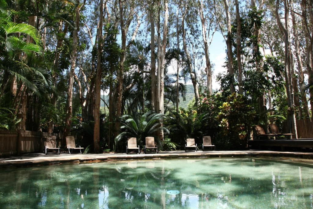 礁石寧靜棕櫚灣飯店