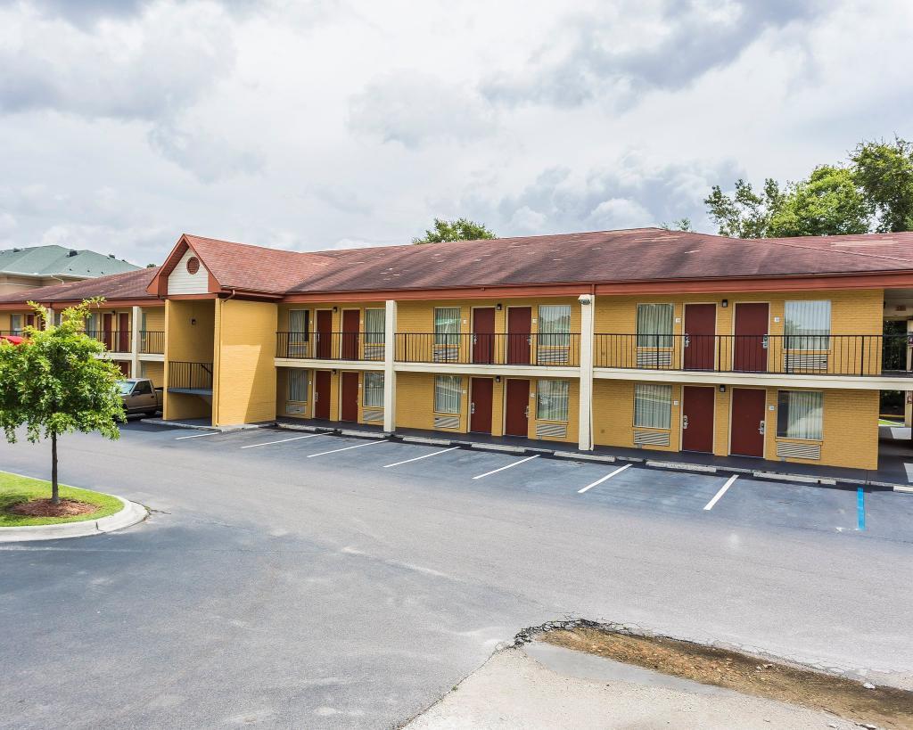 Econo Lodge North Charleston