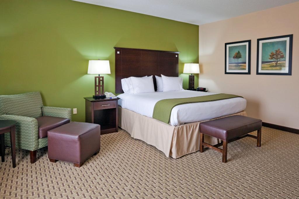 ‪Holiday Inn Express Hotel & Suites Opelika Auburn‬
