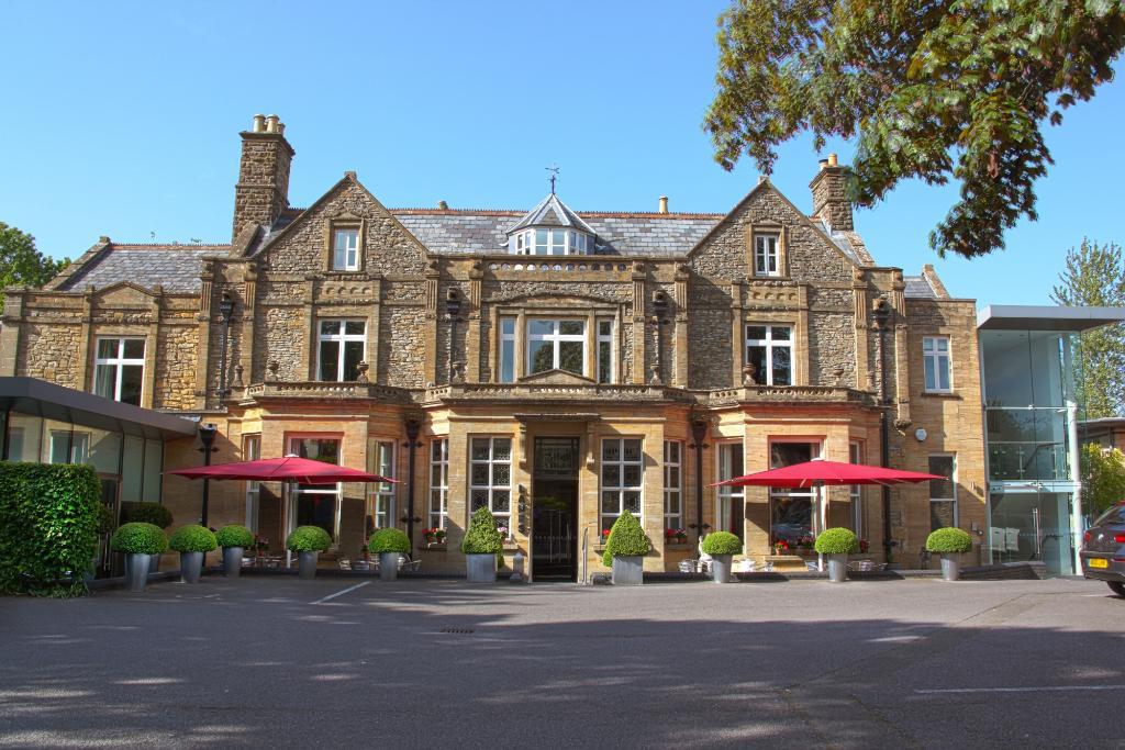 Lanes Hotel