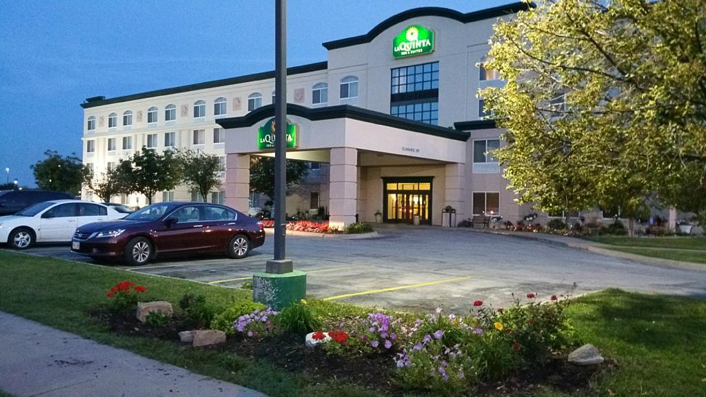 La Quinta Inn & Suites Omaha Airport Downtown