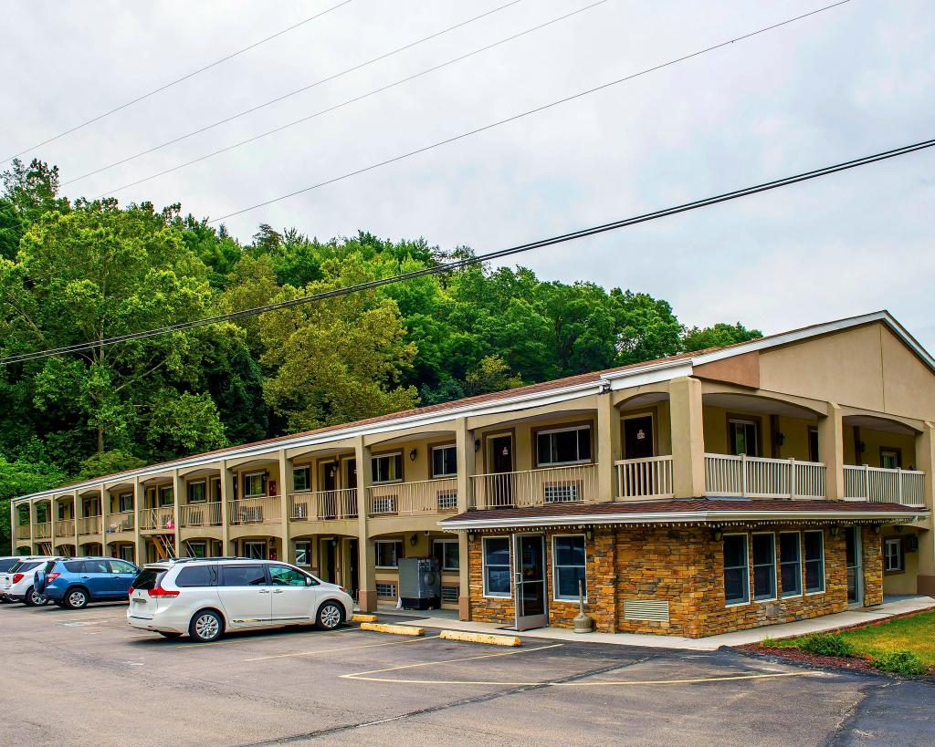 ‪Econo Lodge Clairton‬