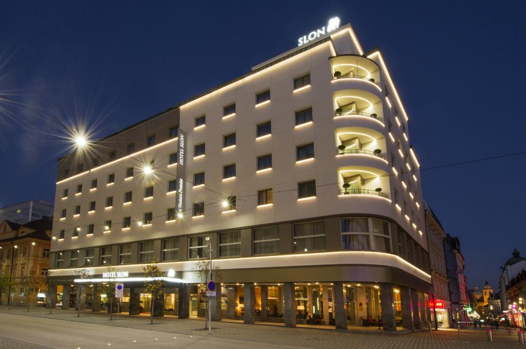 ベスト ウエスタン プレミア ホテル スロン