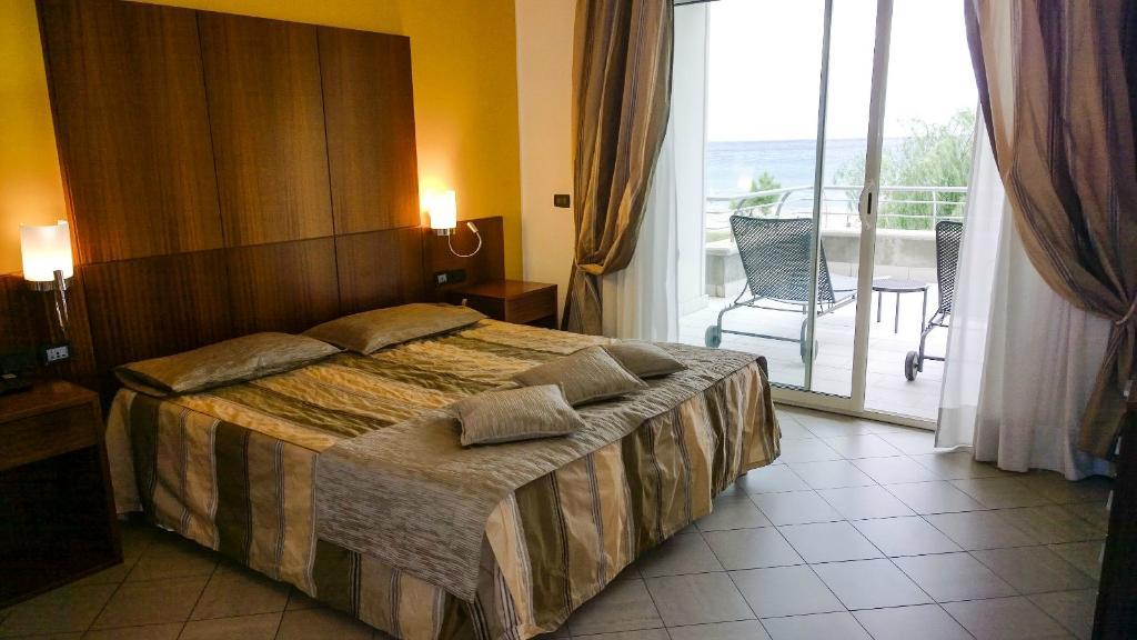 Hotel & Residence Marina degli Aregai