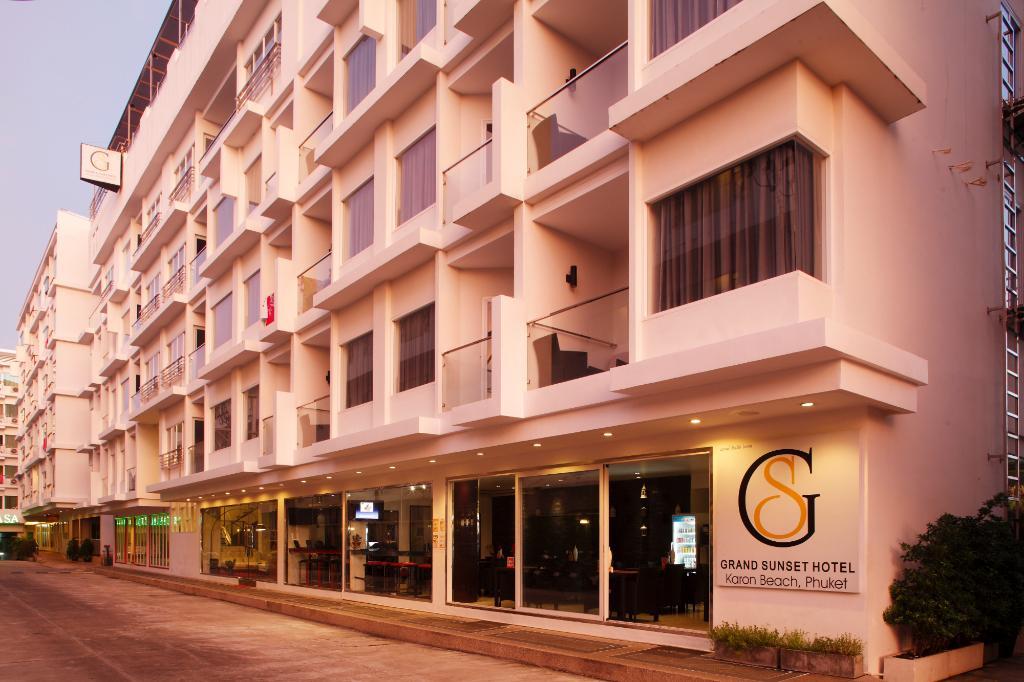 Grand Sunset Hotel