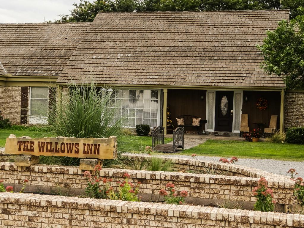 The Willows Inn Bed and Breakfast