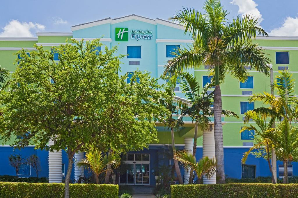 ‪Holiday Inn Express Hotel & Suites Ft. Lauderdale Airport/Cruise‬