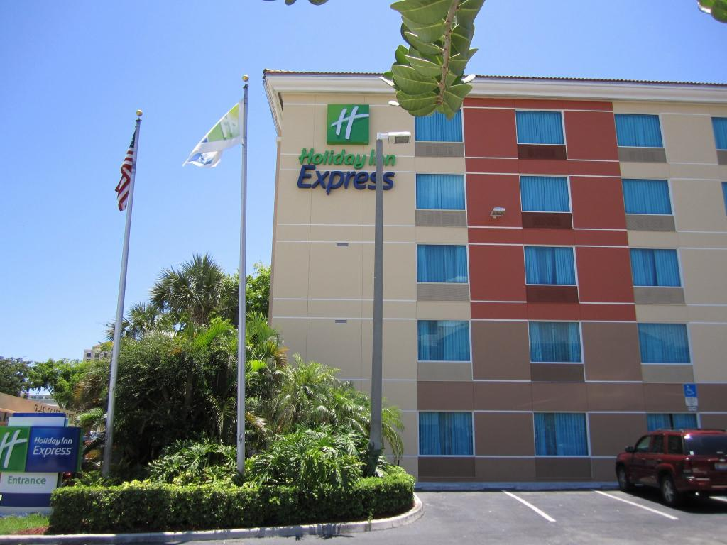 ‪Holiday Inn Express Ft. Lauderdale Cruise-Airport‬