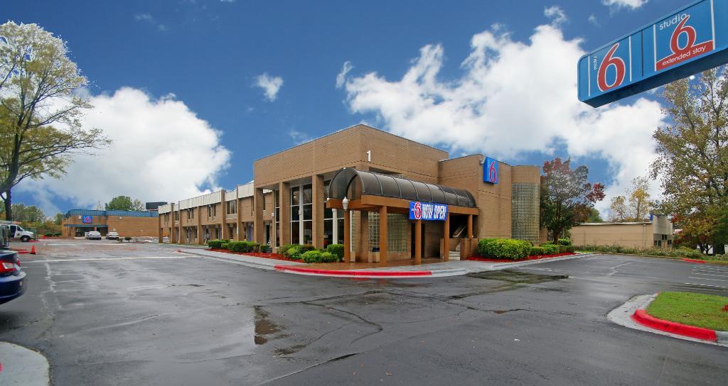 Motel 6 Charlotte NC