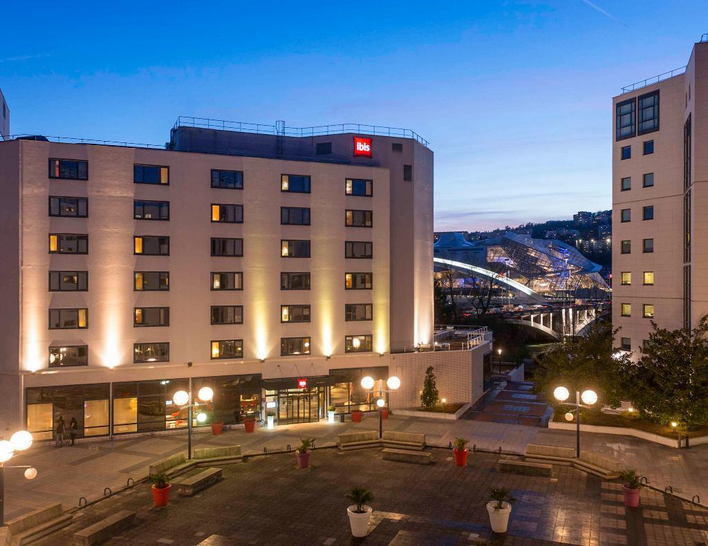 Hotel ibis Lyon Gerland 7eme
