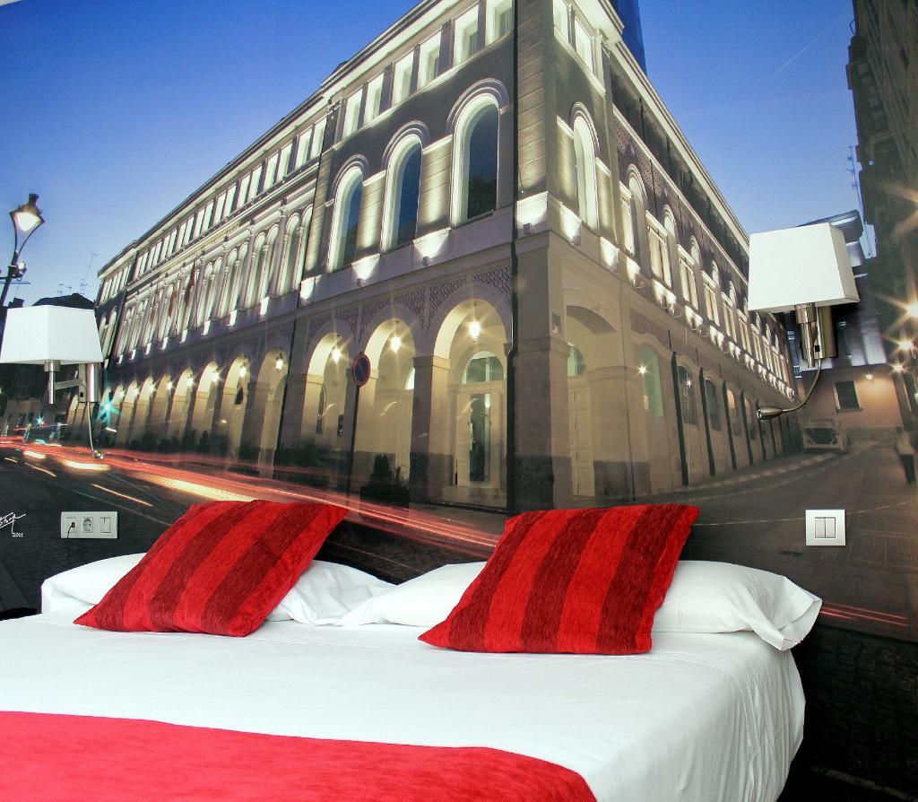 โรงแรมเลนาร่า