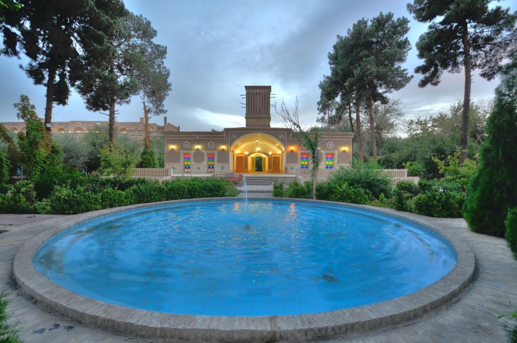 Moshir al-Mamalek Garden Hotel