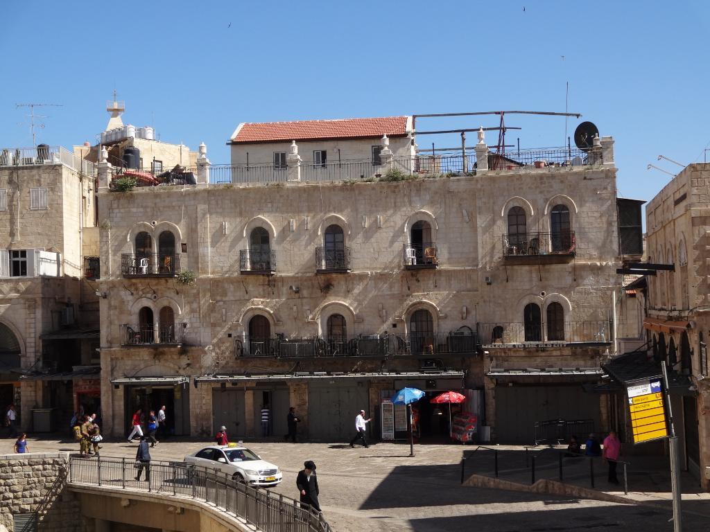 Petra Hotel & Hostel