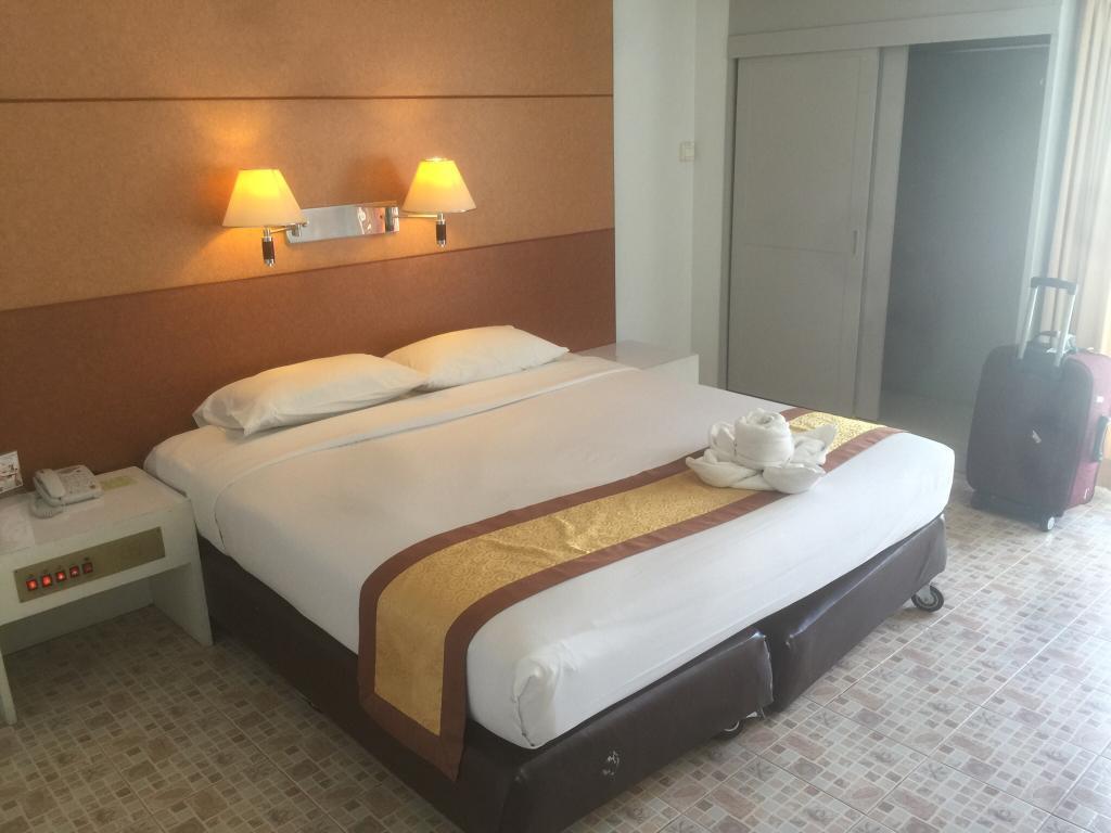 Beverly Plaza Hotel