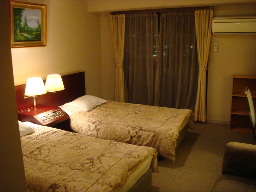 Hotel Paramount in Urasa