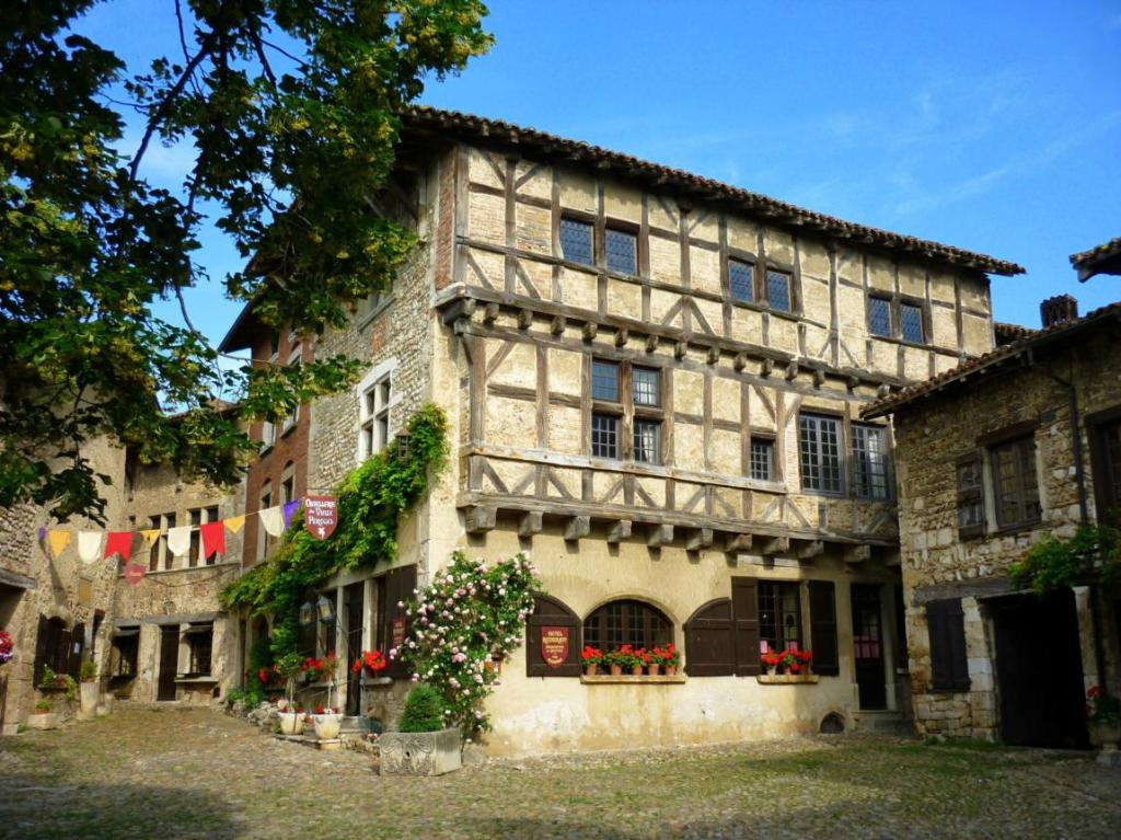 Hostellerie du Perouges