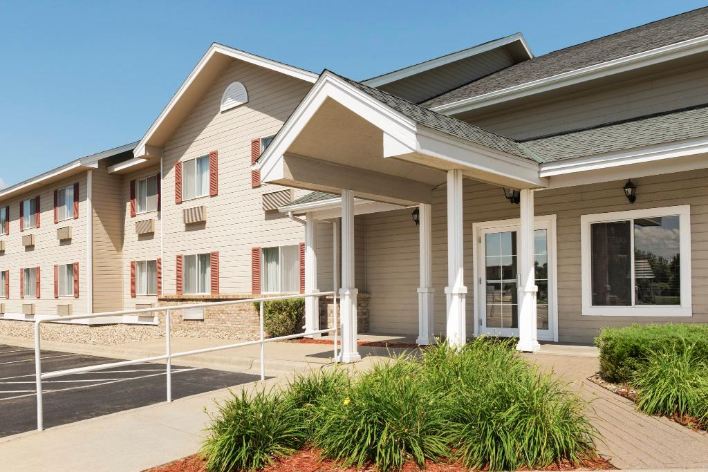 Country Inn & Suites By Carlson, Northfield