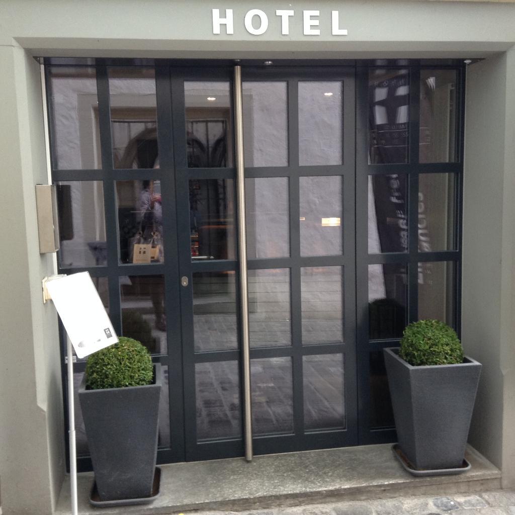 祖維森克魯茲酒店