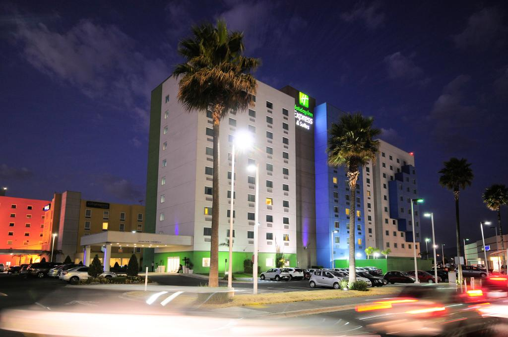 ‪Holiday Inn Express Hotel & Suites Toluca Zona Aeropuerto‬