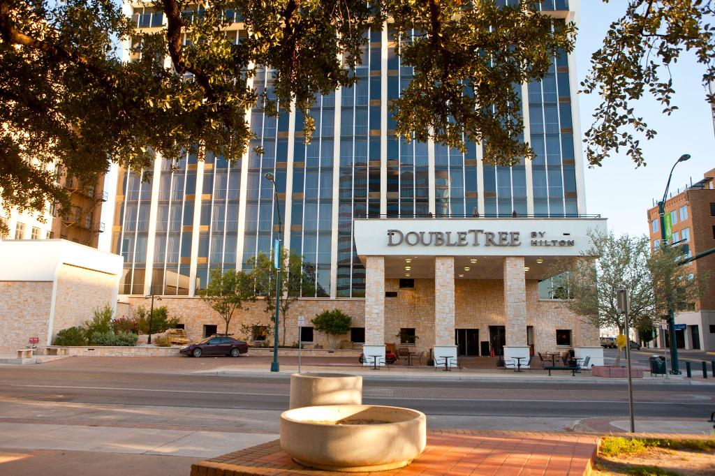 DoubleTree by Hilton Hotel Midland Plaza
