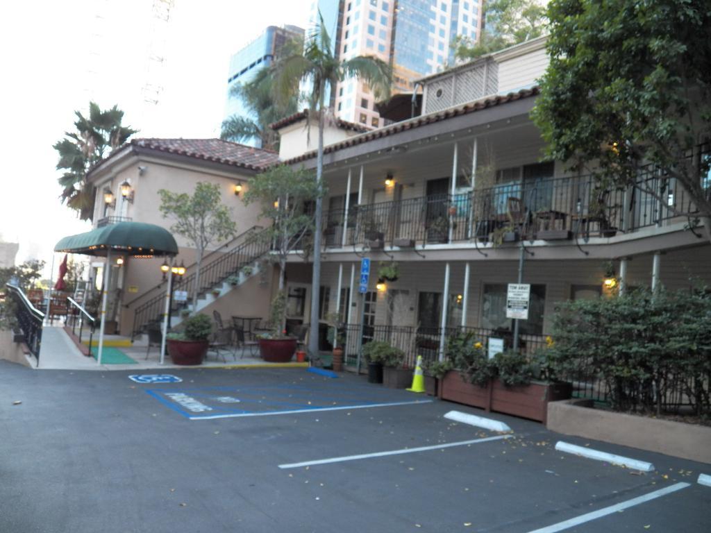 BEST WESTERN Cabrillo Garden Inn