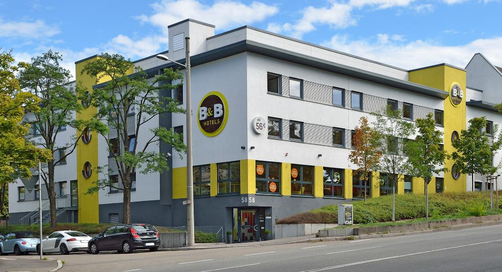 ‪B&B Hotel Stuttgart-City‬