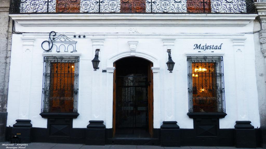 Su Majestad Hotel