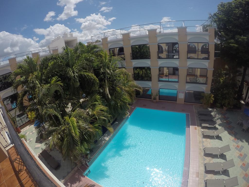 ホテル ドロレス アルバ メリダ