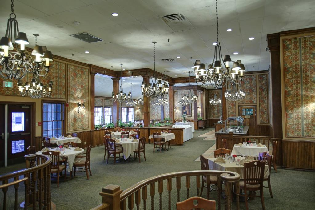 Y O Ranch Hotel & Conference Center
