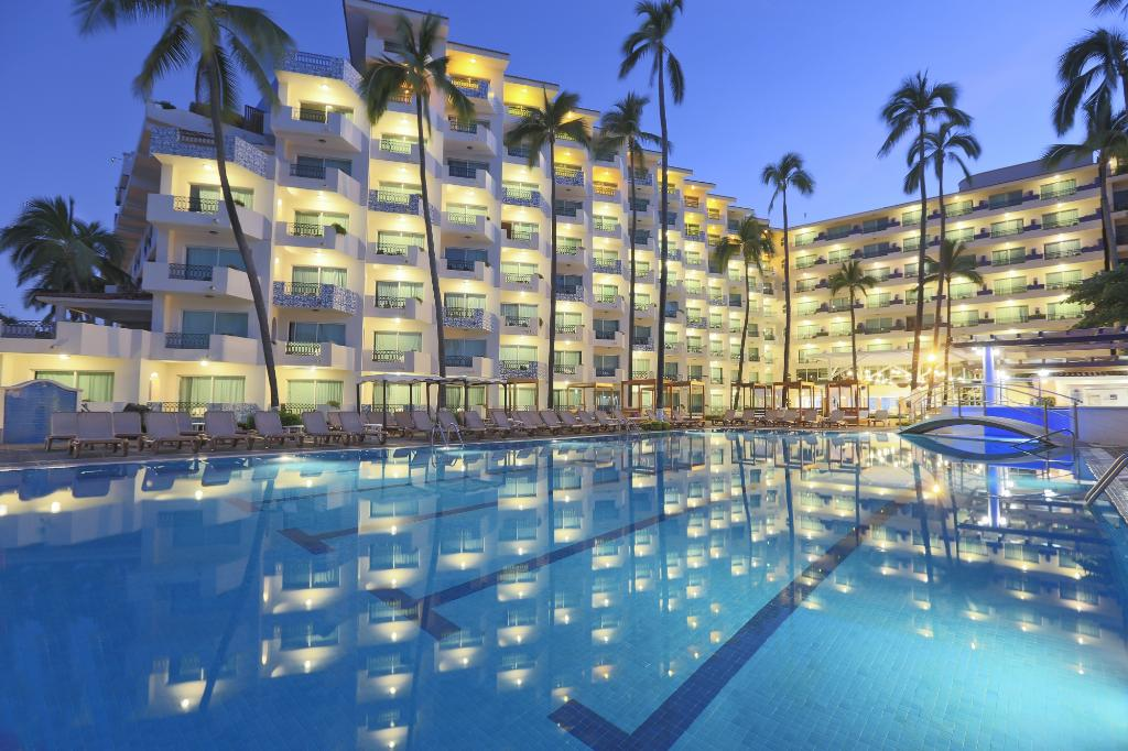 Crown Paradise Golden Resort Puerto Vallarta