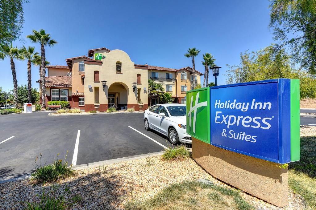 Holiday Inn Express Hotel & Suites Manteca