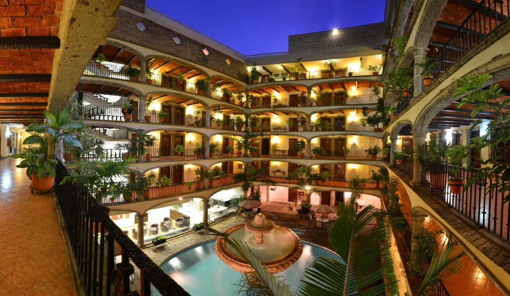 ホテル ポサダ グアダラハラ