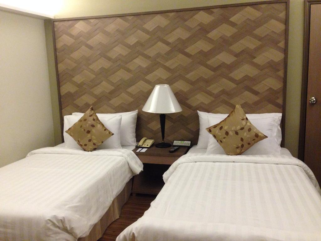 โรงแรมอโมรา ท่าแพ