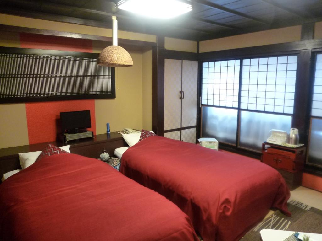 湯瀧之宿 西屋