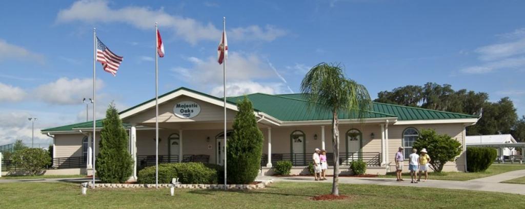 Majestic Oaks Carefree RV Resort