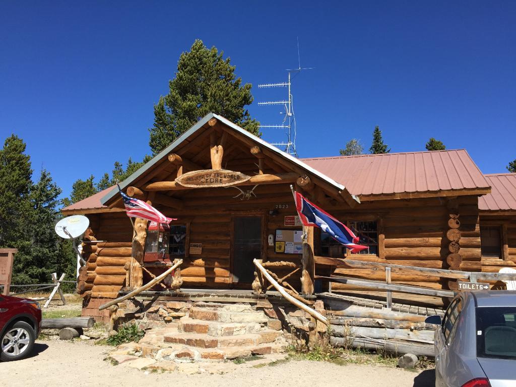Top of the World Resort along Beartooth Highway