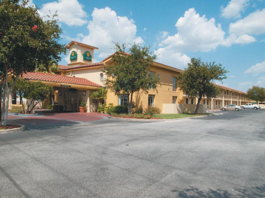 La Quinta Inn San Antonio I-35 N at Rittiman Rd