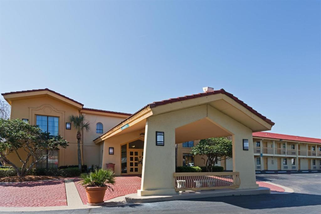 Baymont Inn and Suites Jacksonville Orange Park