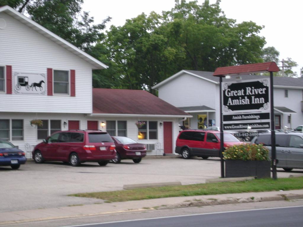 Great River Amish Inn