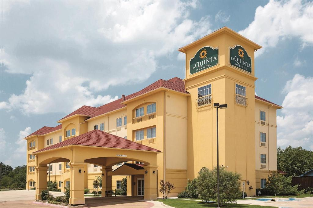 La Quinta Inn & Suites Fort Worth NE Mall