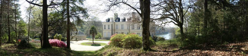 Chateau de Locguenole