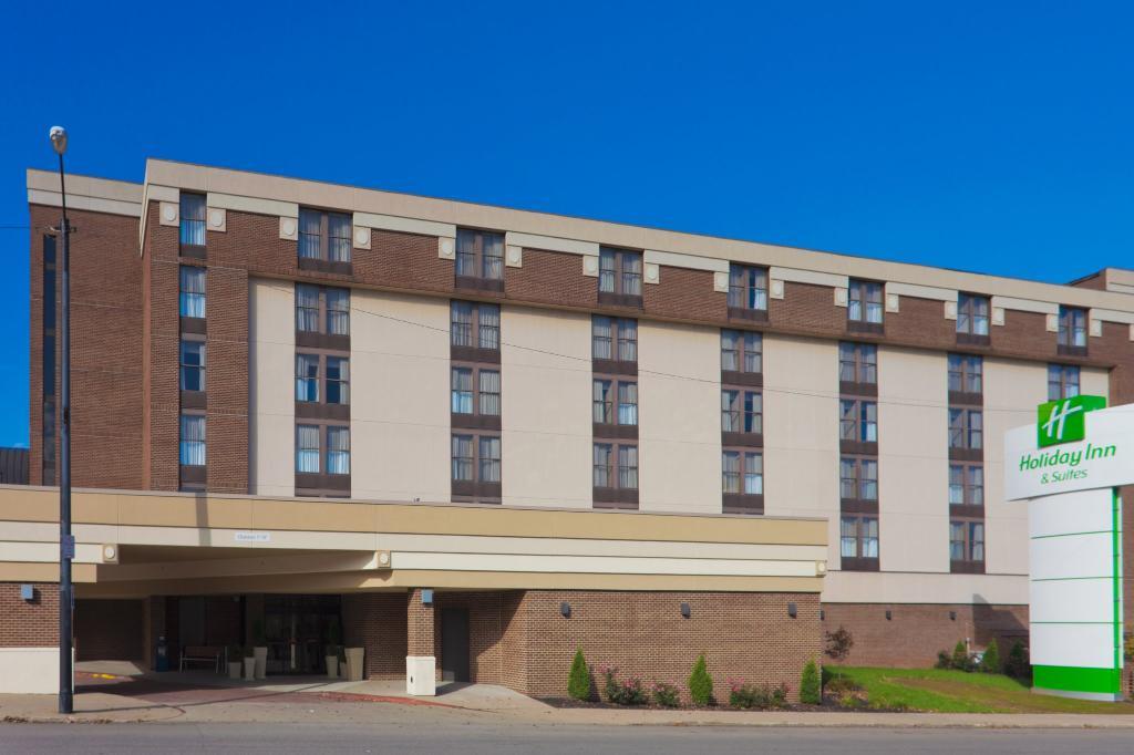 홀리데이 인 호텔 앤드 스위트 맨스필드-컨퍼런스센터
