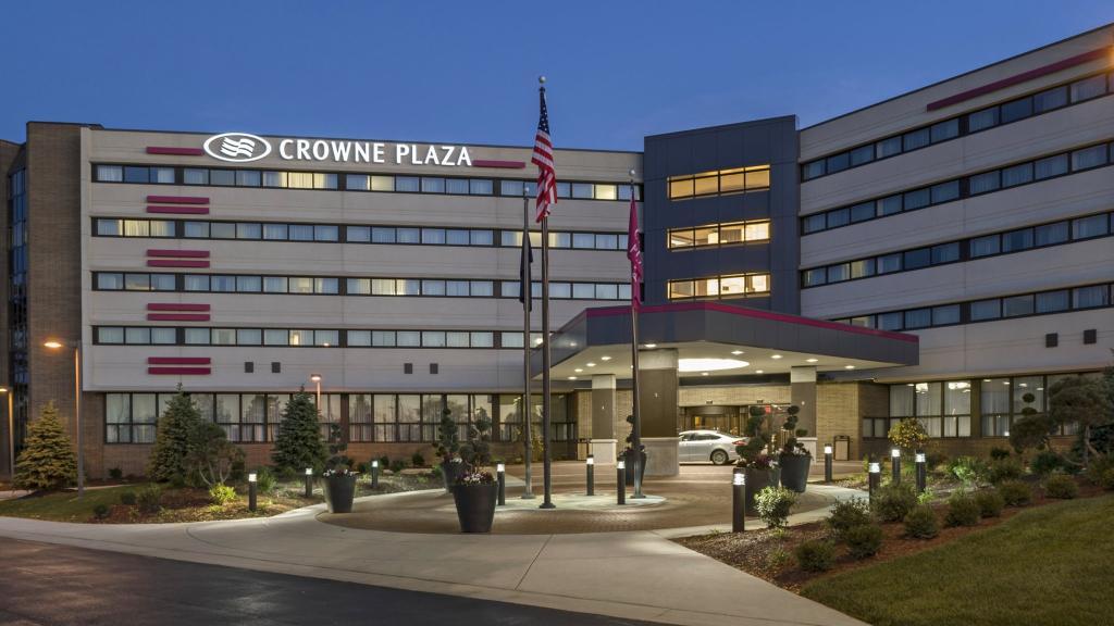 Crowne Plaza Lansing West