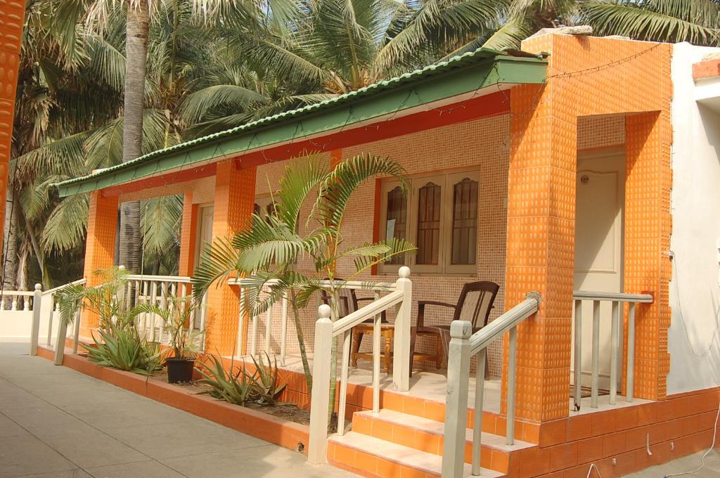 Hotel Palms