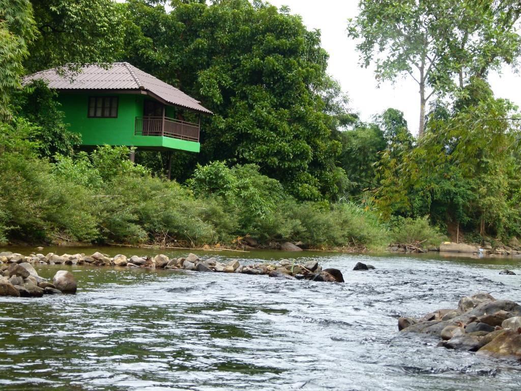 Khao Sok River Lodge