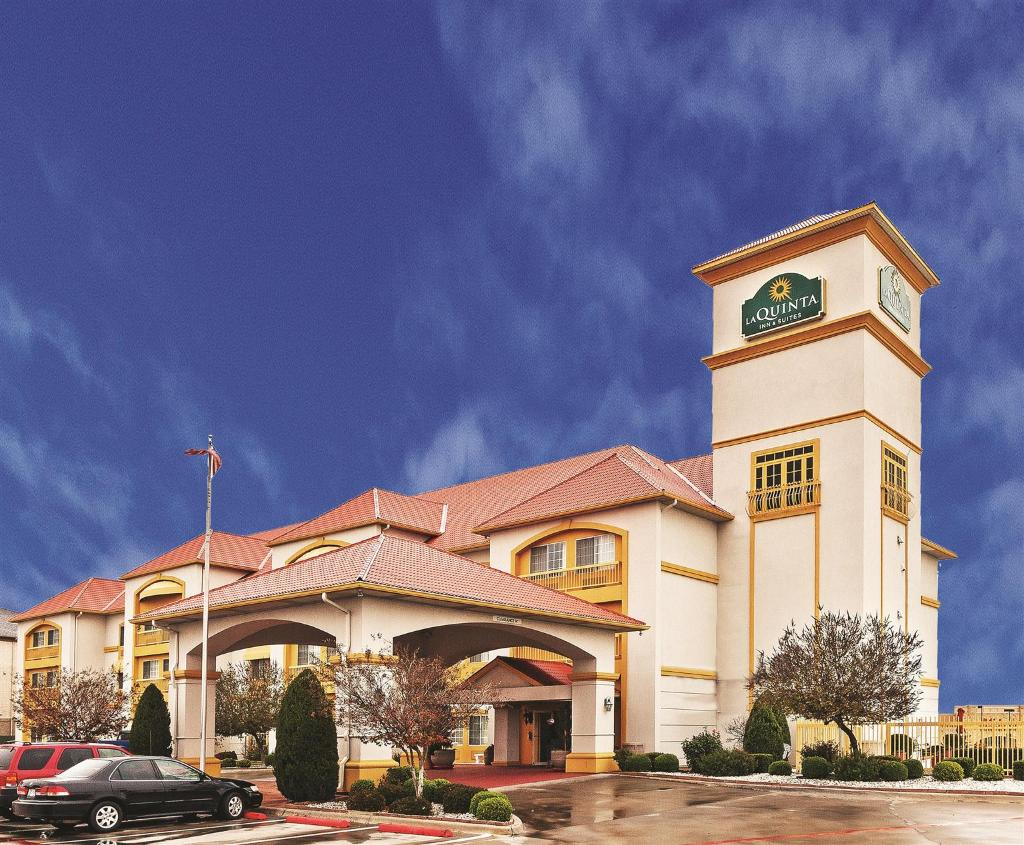 ‪La Quinta Inn & Suites Weatherford‬