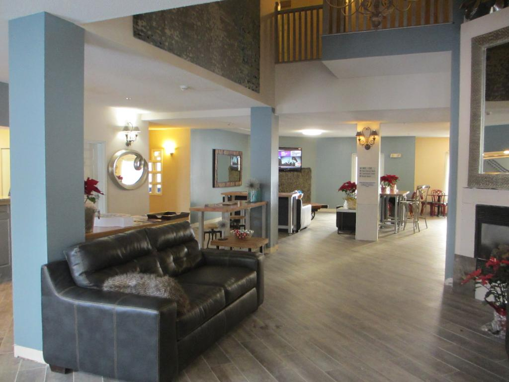 River Hills Hotel