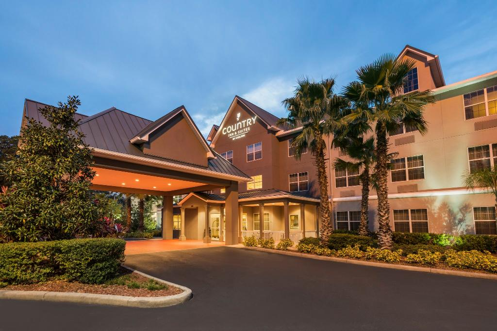佛羅里達坦帕東卡爾森鄉村套房飯店