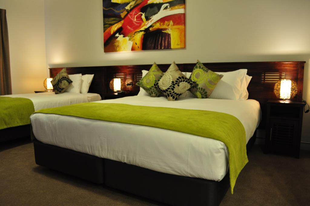 The Alexandra Hills Hotel
