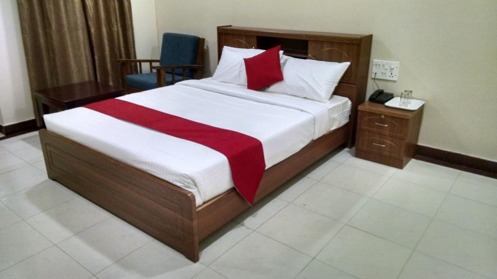 OYO 3722 Hotel StayEasy Majestic